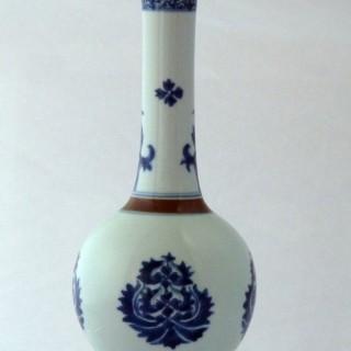 KANGXI BLUE AND WHITE BOTTLE VASE