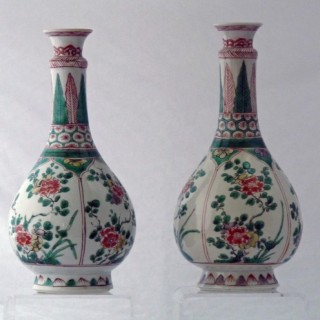 KANGXI FAMILLE VERTE PAIR OF PORCELAINE BOTTLE VASES