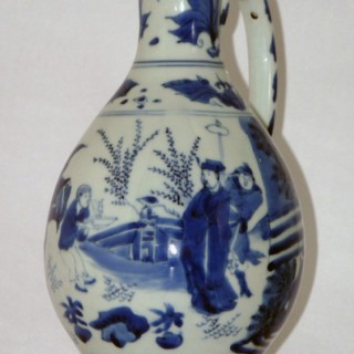CHINESE LATE MING BLUE AND WHITE PORCELAIN EWER
