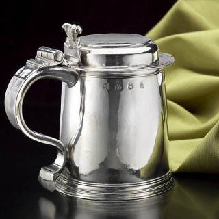 William & Mary Lady's Size Silver Flat-Lidded Tankard
