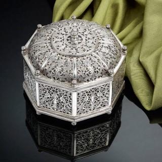 Very Rare Indo-Portuguese Silver Octagonal Box, Portugal 17th Century