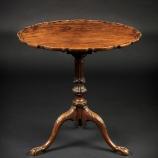Fine 18th Century Tripod Table with 'Pie-Crust' Top