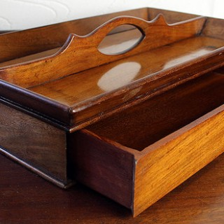Early 19th century Mahogany canted toped desk stand