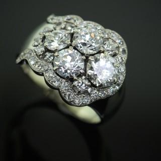 A White Gold & Diamond Ring
