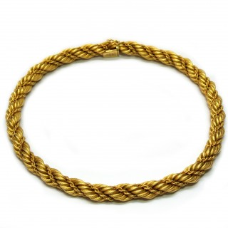 18 carat gold necklace
