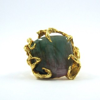A cabochon watermelon tourmaline ring