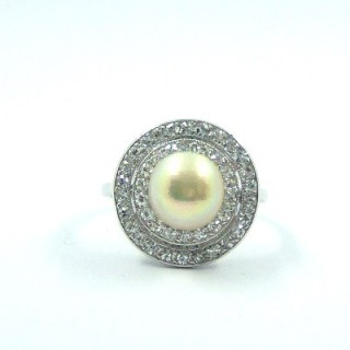 An Edwardian certificated natural pearl & diamond double target cluster ring