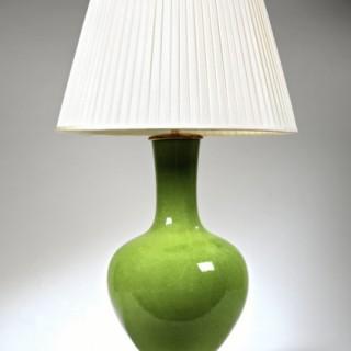 GREEN STRAIGHT NECKED VASE LAMP