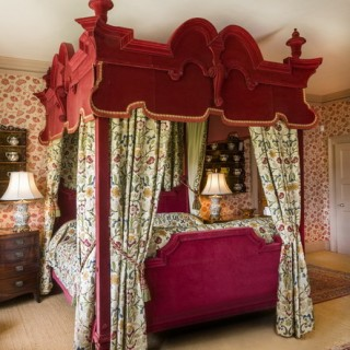 19TH CENTURY FOUR POSTER BED