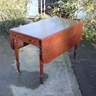 Antique Mahogany Pembroke Table (c. 1820United Kingdom)