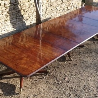 Large And Exceptional Quality Irish Regency Mahogany Three Pedestal Dining Table (c. 1820Ireland)