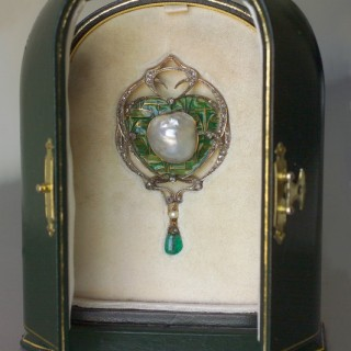 An Impressive Belle Epoque Brooch/Pendant by Fonsèque & Olive