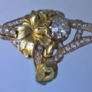 Superb floral design ring