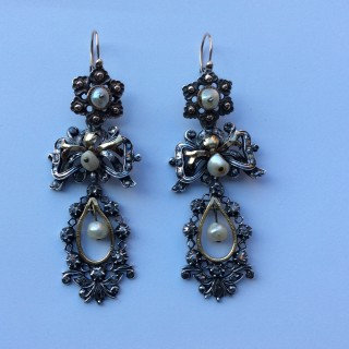 Italian pearl and diamond earrings