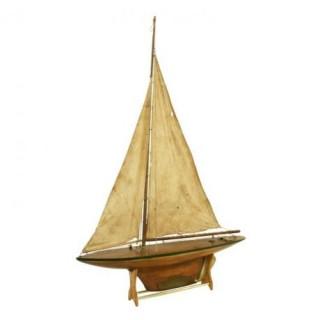Vintage Pond Yacht