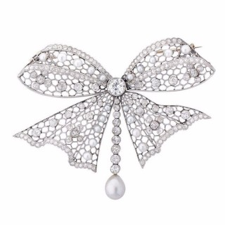 Edwardian Pearl, Diamond, and Platinum Brooch