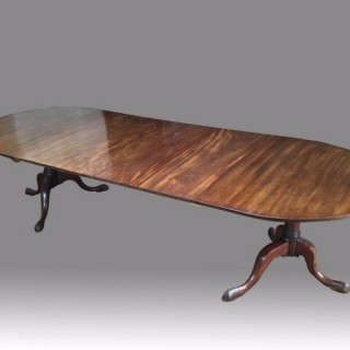 Exceptional Chippendale period twin pedestal Dining Table