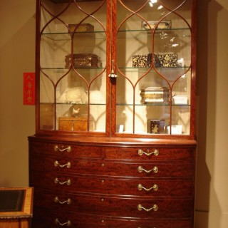Regency fiddleback mahogany bookcase of large size, attributed to Gillows of Lancaster