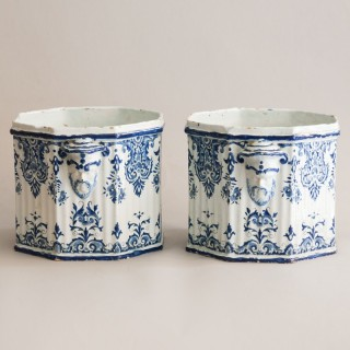 AN EXCEPTIONAL PAIR OF EARLY 18TH CENTURY ROUEN WINE COOLERS OR SEAU À BOUTEILLE