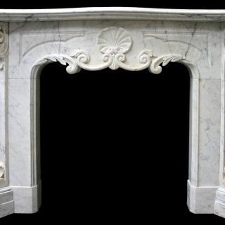 ANTIQUE EARLY VICTORIAN CARRARA MARBLE FIRE SURROUND IN THE ENGLISH LOUIS XV STYLE