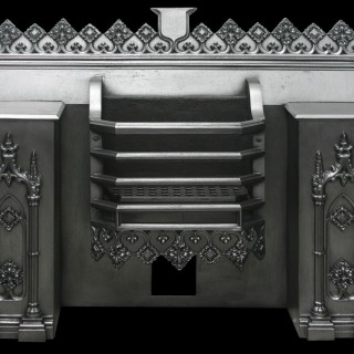 ANTIQUE GEORGIAN CAST IRON HOB GRATE IN THE GOTHIC MANNER