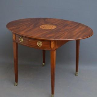 Elegant George III Pembroke Table in Mahogany