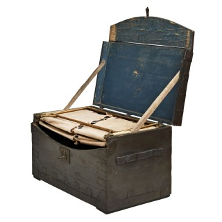 Thompson Campaign Trunk Bed