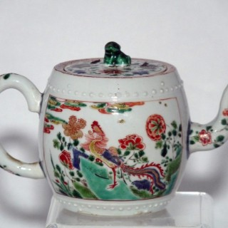 kangxi Famille Verte Barrel shaped Tea Pot