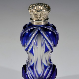 19TH CENTURY GLASS SCENT BOTTLE