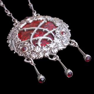 OMAR RAMSDEN & ALWYN CARR, LONDON Briar Rose Arts & Crafts Pendant