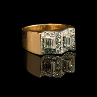 Modernist diamond ring in platinum and rose gold
