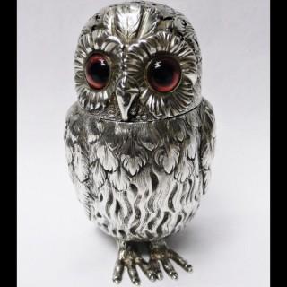 Victorian Silver Owl Castor