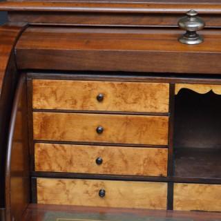 Victorian Pedestal Desk – Mahogany Bureau