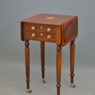 Fine Edwardian Pembroke Table in Mahogany