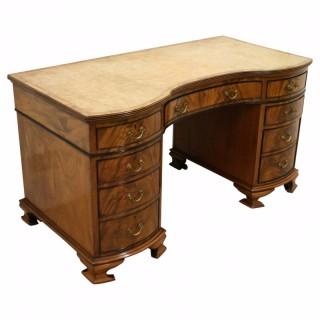 Late Victorian Mahogany Serpentine Desk