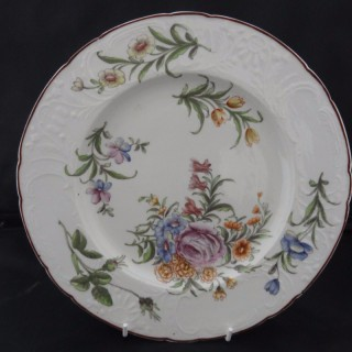 CHELSEA PORCELAIN (1743-1784)  Chelsea Plate (Red Anchor period) (England, c. 1755)