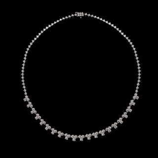 Diamond necklace by Tiffany