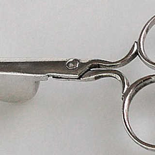 A miniature pair of snuffers