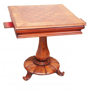 Antique 19th Century Mahogany Centre Games Table