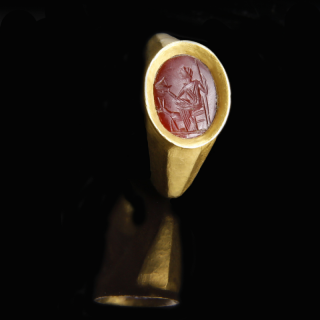 Roman Gold Ring with Diana