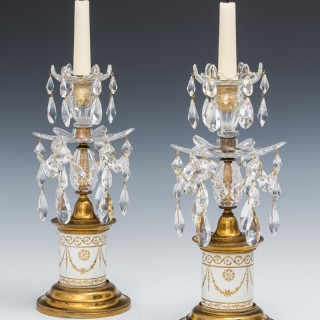 A PAIR OF GEORGE III PORCELAIN BASE CANDLESTICKS