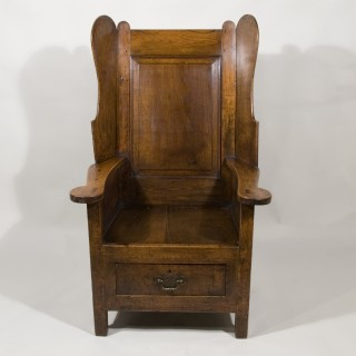 An18th Century Oak Lambing Chair