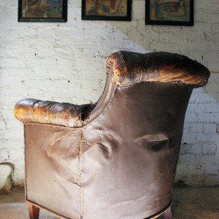 A Good Late 19thC Button-Back Leather Armchair c.1900