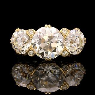 An Old European-Cut Diamond Three Stone Ring in 18ct Gold By Hancocks