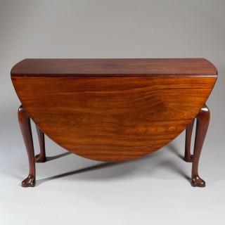 George II Mahogany Gate-Leg, Drop-Leaf Table