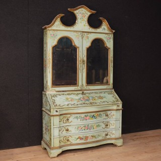 Venetian trumeau in lacquered and painted wood