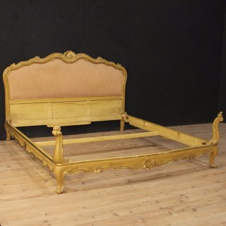 20th Century Venetian Double Bed In Lacquered And Golden Wood