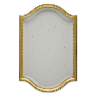 Portrait miniature wall-hanging display case, in eighteenth-century style with arched top