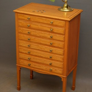 Fine Edwardian Specimen Cabinet in Satinwood