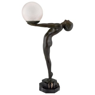 Art Deco lamp nude holding a ball, 1930. H. 26 inch.